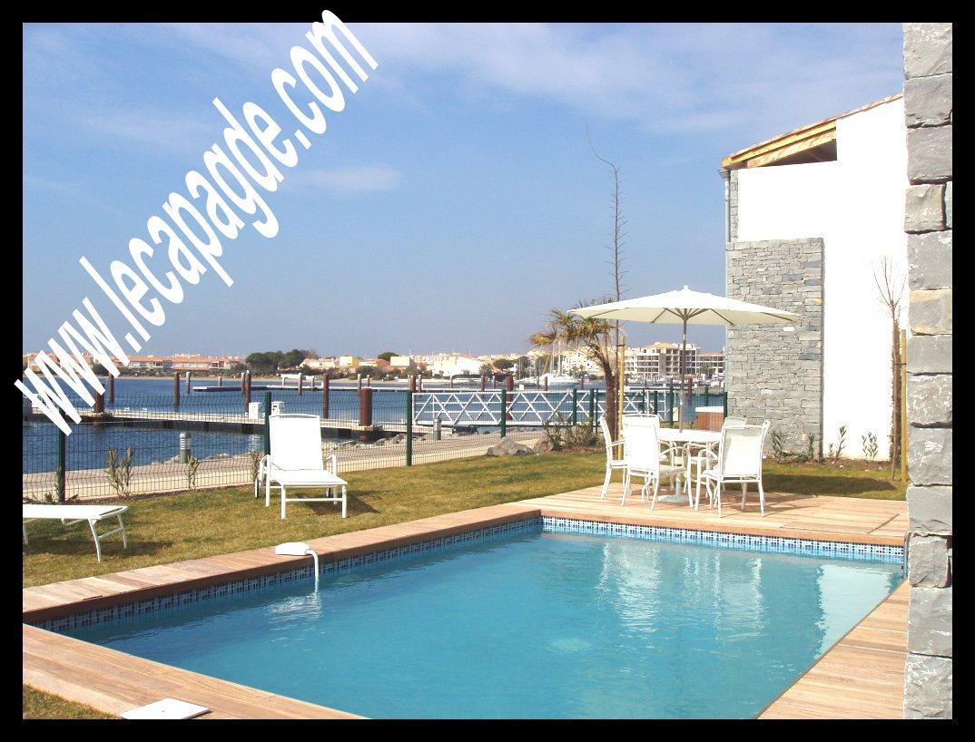 villa marinas de prestige a vendre au cap d 39 agde avec ponton pour votre bateau iles saint martin. Black Bedroom Furniture Sets. Home Design Ideas